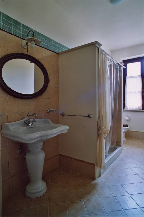 """bagno con doccia """"Ginepro"""""""