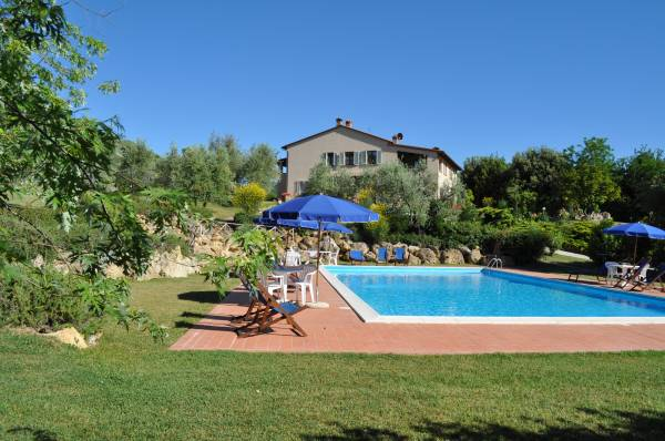 Villa toscane avec piscine privee for Piscines privees